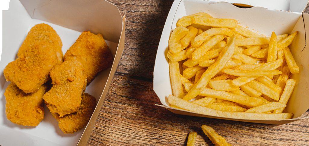 Astarte kartupeļi frī, vistas nageti